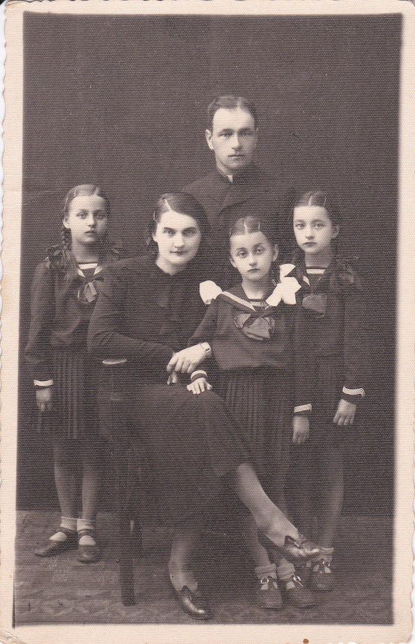 The family of Yaroslav Mirovich and Severa Durkot