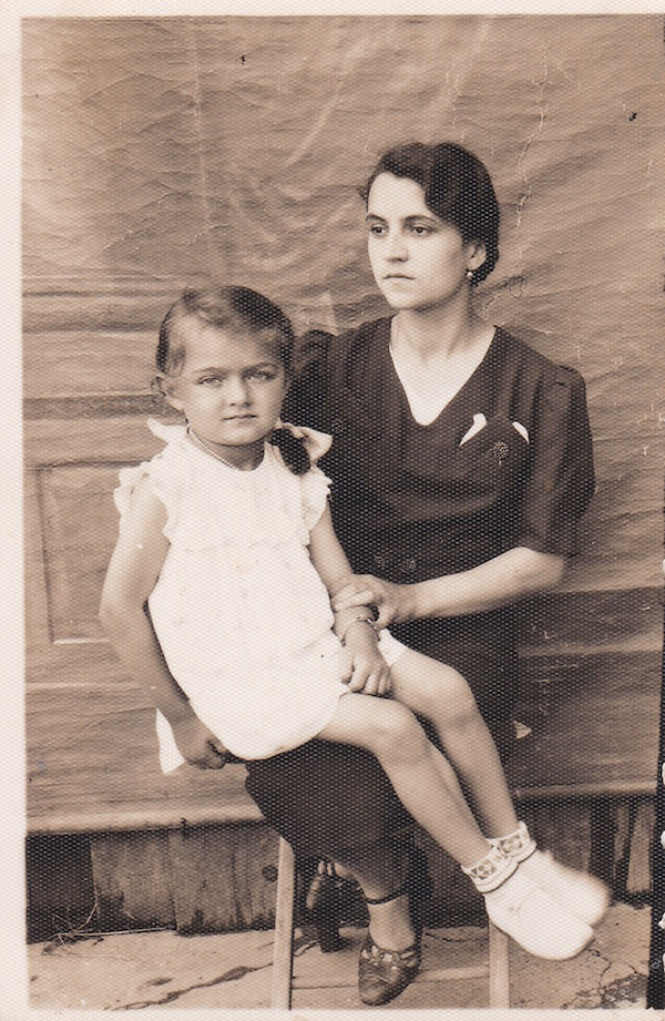 Olga Svarychevska with daughter